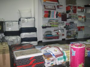 vends linge de maison a prix defiant toutes concurances destockage. Black Bedroom Furniture Sets. Home Design Ideas