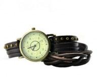 Montre tendance miler. Bracelet et cadran vintage. ( noire)