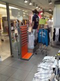 Equipement magasin Jeans Sportswear complet 115m2
