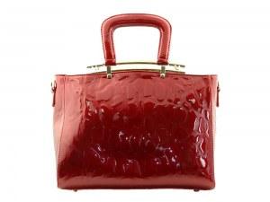 Sac rouge série Écume porté épaule et main