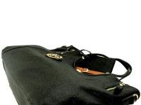 Sac noir shopping porté épaule