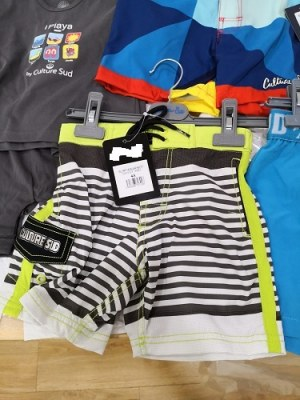 Lot de maillots de bain : femmes, enfants et hommes