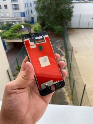 LOT DE LCD, BATTERIES, VITRES ARRIERES, CHASSIS, ECOUTEUR IPHONE
